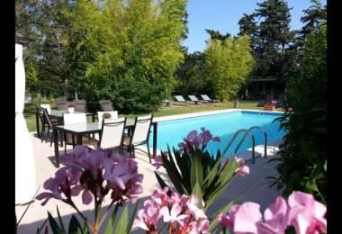 Chambres d 39 h tes en provence mas avec piscine en vaucluse paca - Chambre d hote en provence avec piscine ...
