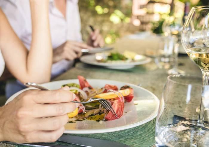 La table de cabasse restaurant s guret vaucluse en - La table du comtat seguret 84 ...