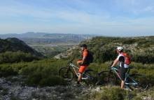 Tour of the Petit Luberon on electric (...)