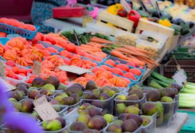 Petit Marché de village à Sablet